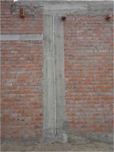 2da. Imágen: Las juntas entre los elementos estructurales debe de seguir hasta el nivel de techo terminado (N.T.T.), en este caso..