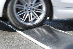Badenes inteligentes para no dañar los vehículos con conductores prudentes.