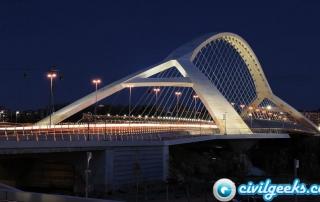 El puente del tercer milenio