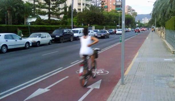 Los carriles bici son la mejor apuesta por una movilidad sostenible Créditos de imagen: hibridosyelectricos.com